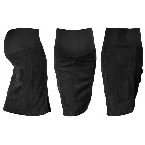 černá kočička v sukni
